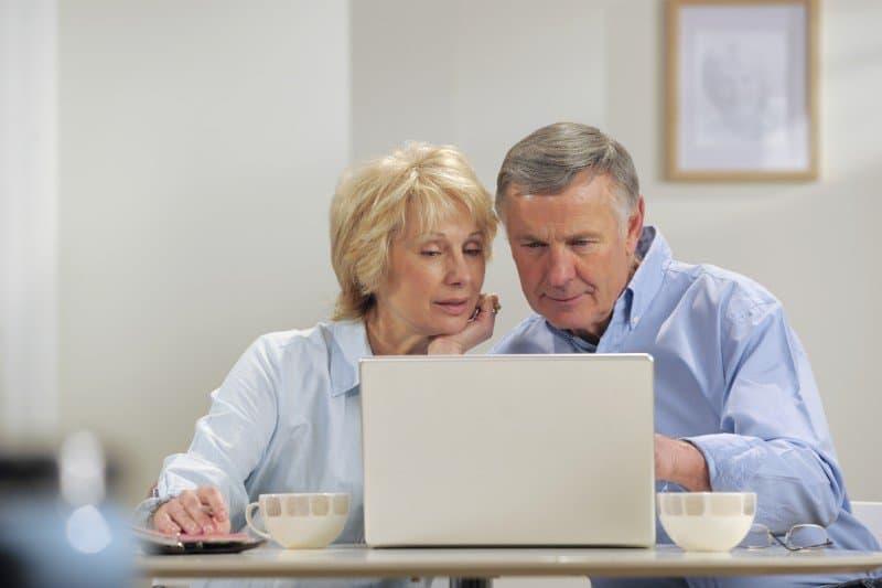 Senior couple buying online - ecommerce